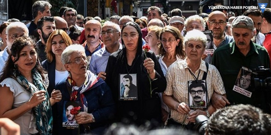 Cumartesi Anneleri'nin yasaklanan sergisi meclis gündeminde