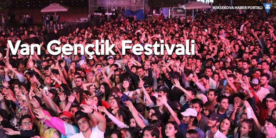 Van'daki gençlik festivaline ilk gününde 20 bin kişi katıldı