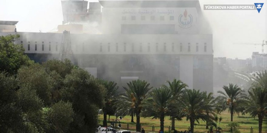 Libya'da patlama sesleri: 3 saldırgan binayı bastı