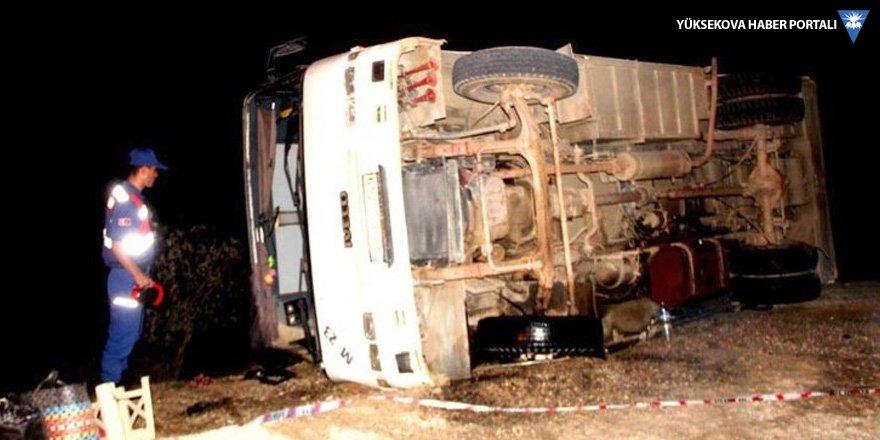 İşçi otobüsü devrildi: 32 yaralı