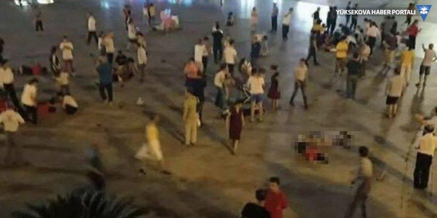 Çin'de araç yayaları ezdi: Üç ölü, 48 yaralı