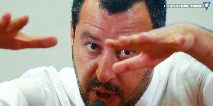 İtalyan Bakan göçmenlere 'köle' dedi