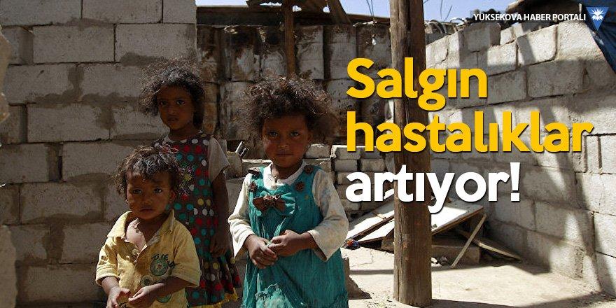 Yemen'de insanlar kıtlık nedeniyle ot yemeye başladı