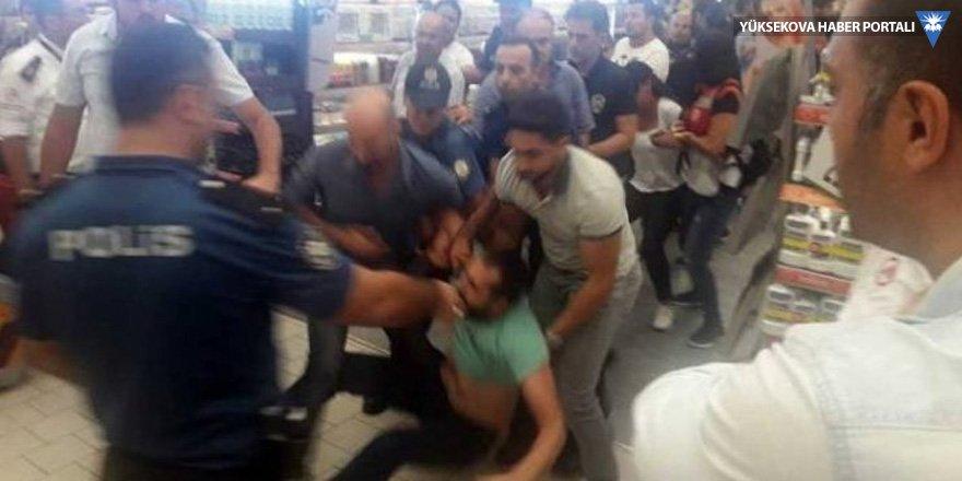 Uyum Makro işçileri gözaltına alındı