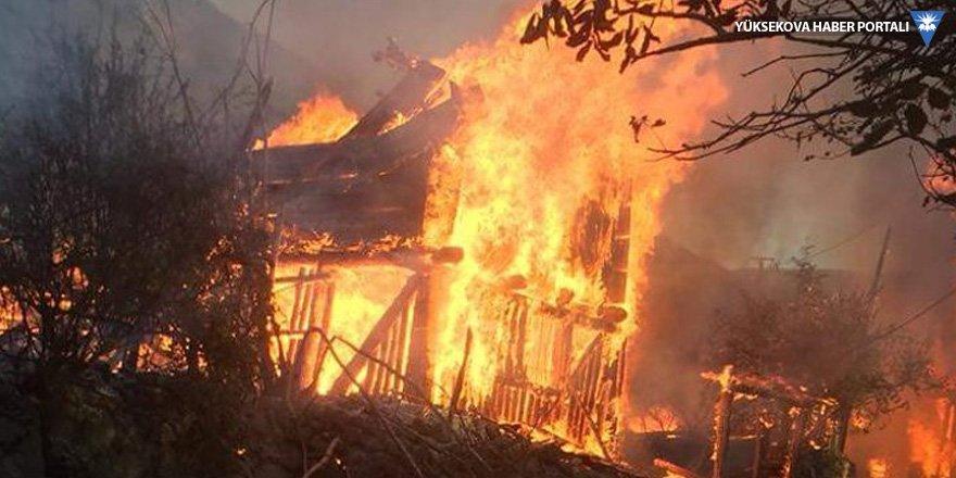 Kastamonu'da 9 ev yandı