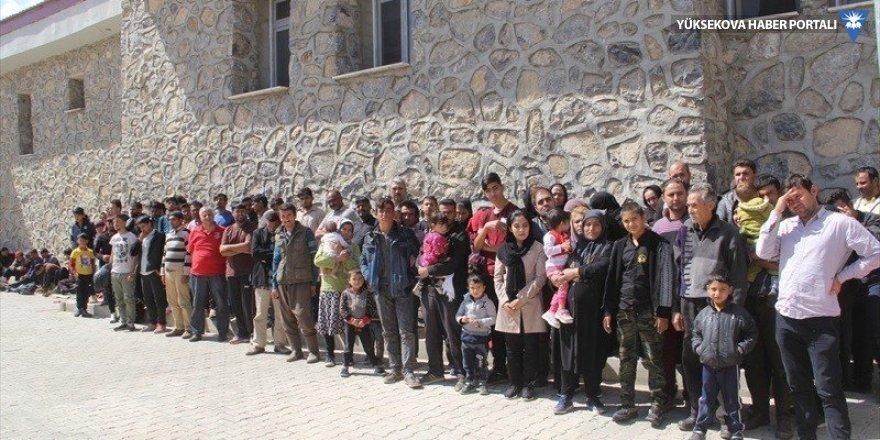 Başkale'de 98 yabancı uyruklu kaçak şahıs yakalandı
