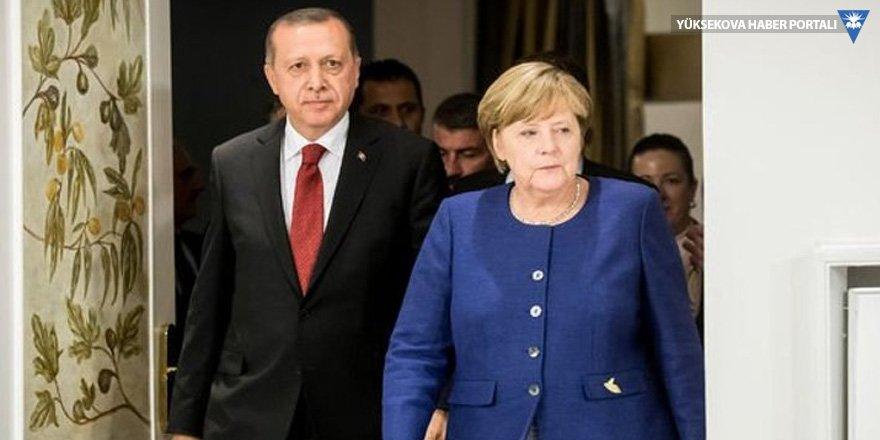 Merkel: Türkiye'de insan hakları görmek istediğim seviyede değil