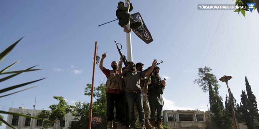 İdlib'deki bazı silahlı örgütler: Çekilmiyoruz