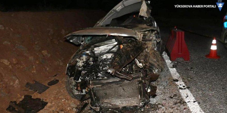 Takla atan araçta 3 genç yaşamını yitirdi