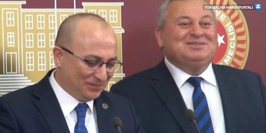 MHP'li vekilden gazeteciye: İş Bankası'nda hissen mi var lan?