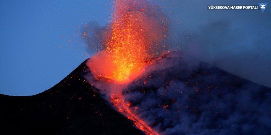 Etna kayıyor, tsunami yaratabilir