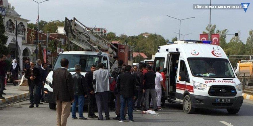 Van'da kamyonet yayaya çarptı: 1 yaralı