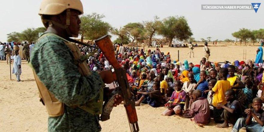 Boko Haram'a karşı savaştırılan 833 çocuk asker serbest bırakıldı