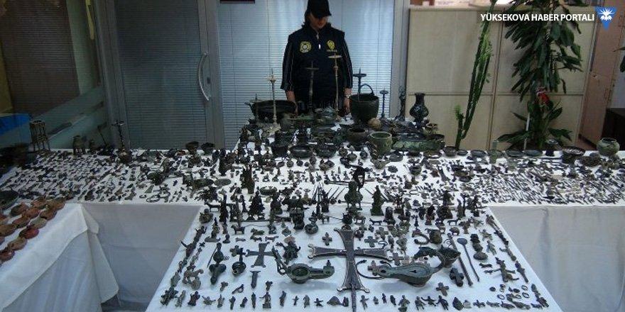 Cumhuriyet tarihinin en büyük tarihi eser operasyonu: 14 bin eser yakalandı!