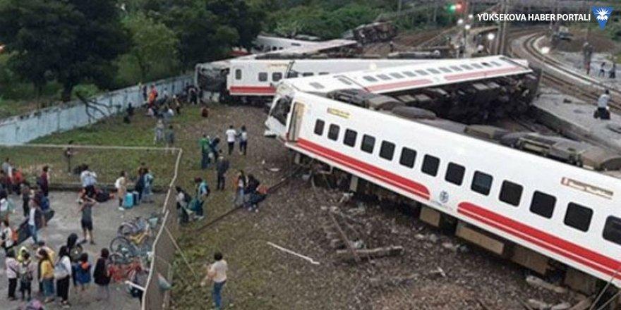 Tayvan'da tren faciası: 17 kişi yaşamını yitirdi