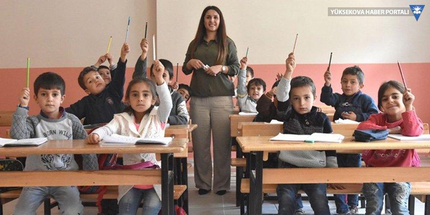 Onbaşılar'a öğretmen geldi, eğitim başladı