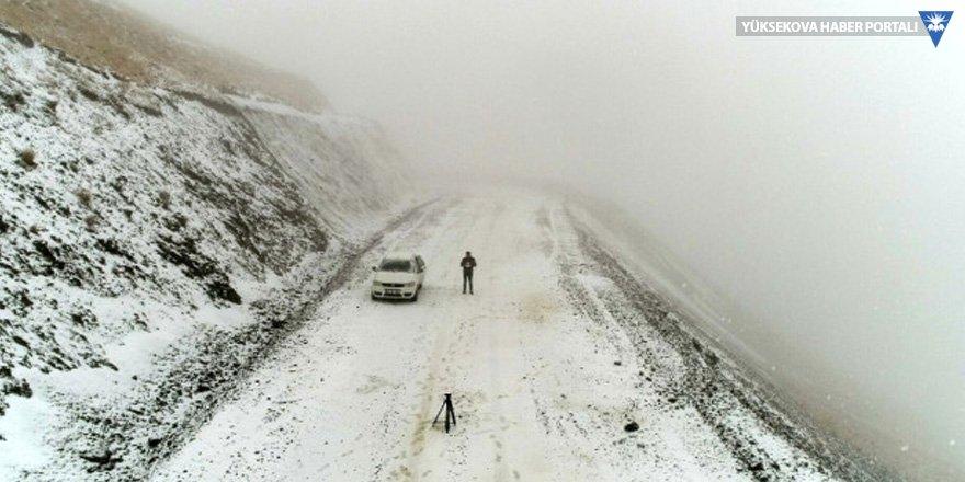 Erzurum'a yılın ilk karı düştü