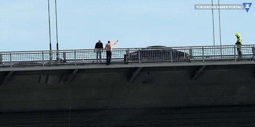 Köprüde 'atla' diyenlere 3 yıl hapis