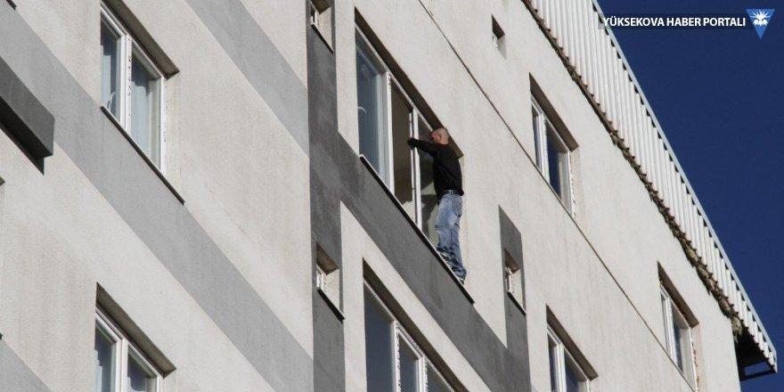 Van'da intihar etmek isteyen genç ikna edildi