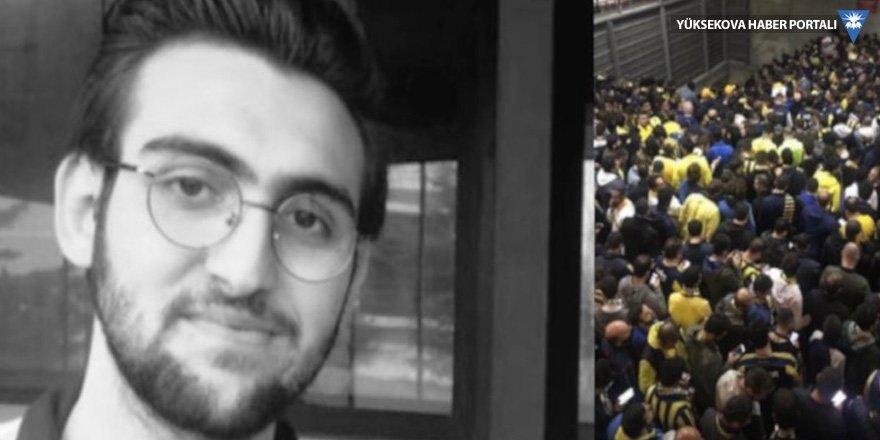 Fenerbahçeli futbolculardan genç taraftarın yakınlarına taziye ziyareti