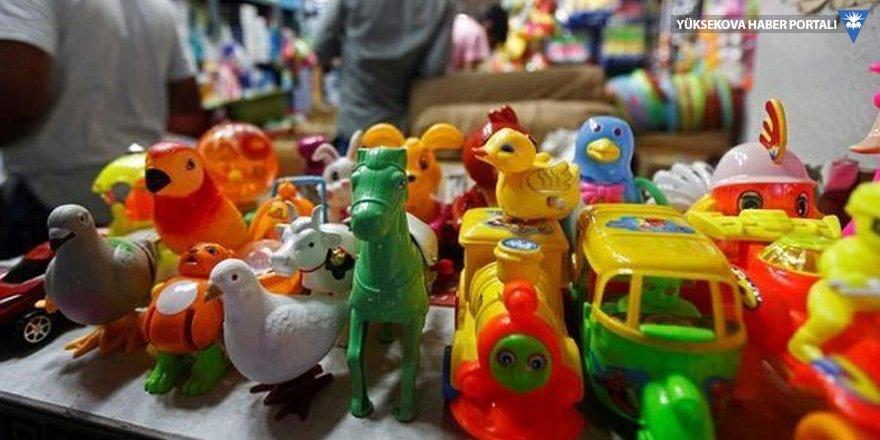 72 yaşında seri oyuncak hırsızı!