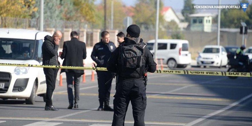 Diyarbakır Adliyesi önünde silahlı saldırı: 1 ölü