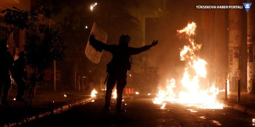 17 Kasım gösterisinde çatışma çıktı