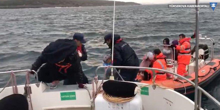40 göçmen adada mahsur kaldı