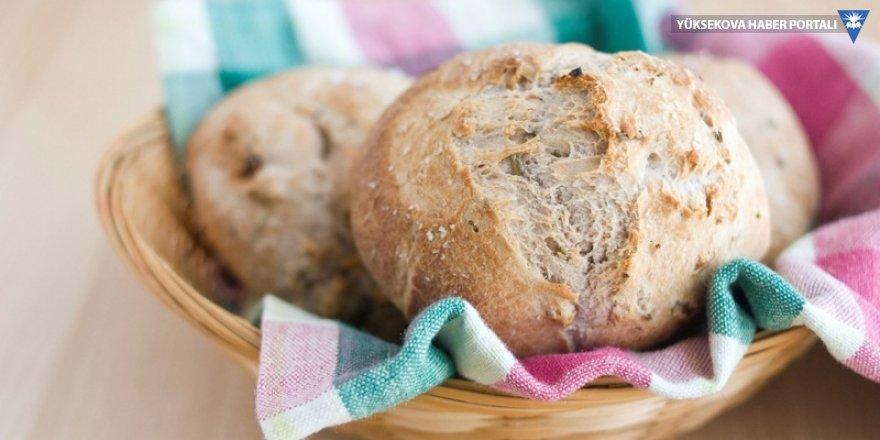 Asgari ücret eridi: Sofradan 44 ekmek eksildi