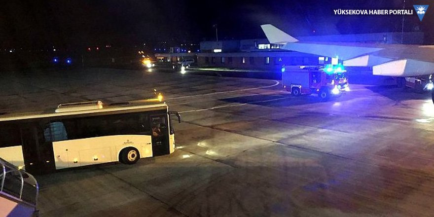G20 Zirvesi için Arjantin'e giden Merkel'in uçağı acil iniş yaptı