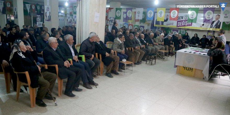 HDP, Yüksekova'da kanaat önderlerine danıştı