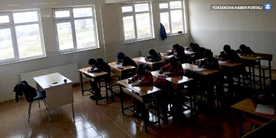 Şemdinli'de öğretmensiz ve gözetmensiz sınav uygulaması