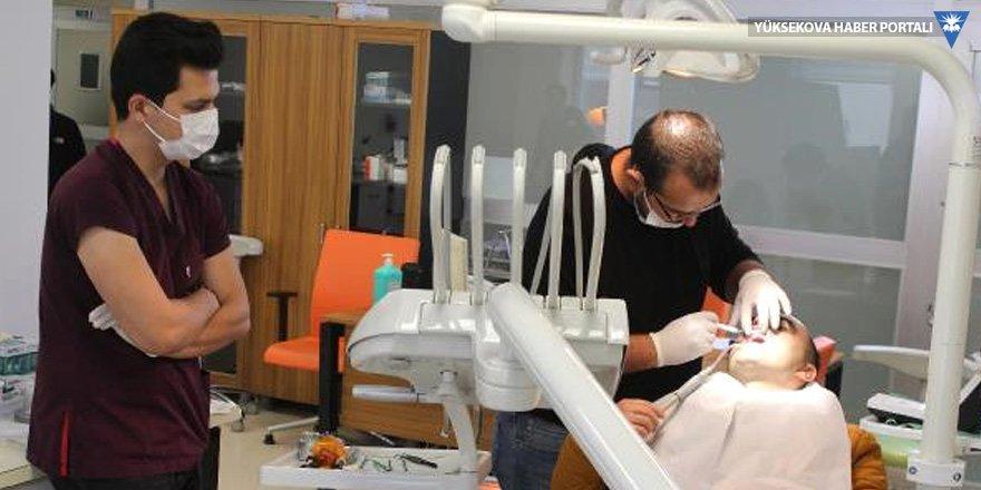 İran ve Iraklılar, ağız ve diş sağlığı tedavisi için Hakkari'ye geliyor