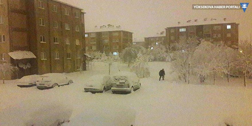 Bitlis'te eğitime bir günlük 'kar' arası