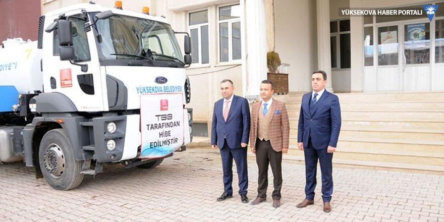TBB, Yüksekova Belediyesi'ne araç hibe etti