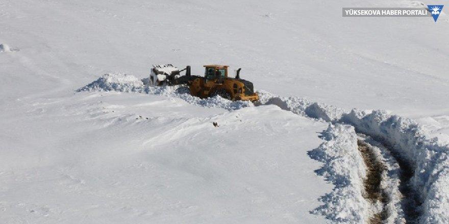 Hakkari'de 106 köy ve mezra yolu kardan kapandı
