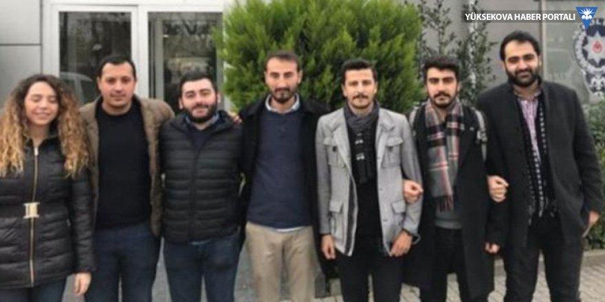 Kadıköy'de bildiri dağıtan CHP'lilere gözaltı