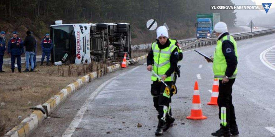 Personel servisi devrildi: 10 yaralı