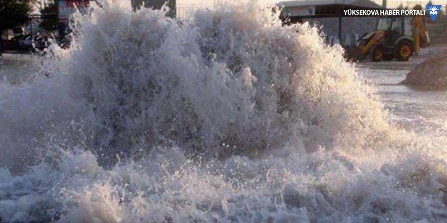 Mardin'de ana şebeke borusu patladı