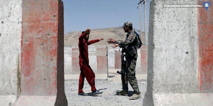 Taliban dört koldan saldırdı: 32 ölü