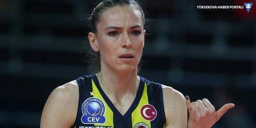 Beşiktaş-Fenerbahçe maçı yarıda kaldı