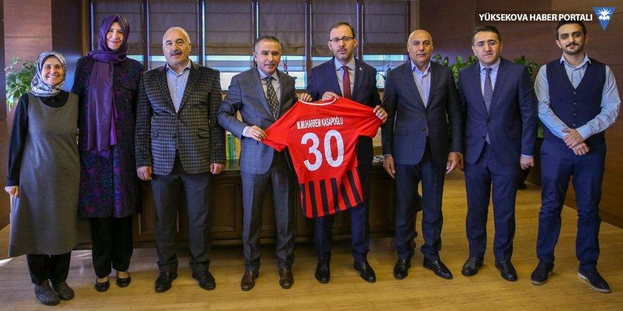 Yüksekova Belediyespordan bir dizi ziyaret