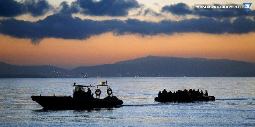 Ege Denizi'de mülteci botu battı: 1 çocuk öldü