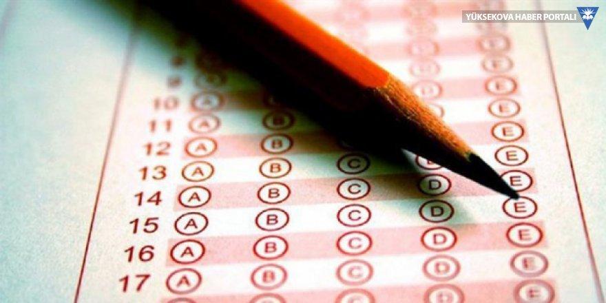 Sınavlarda artık ulaşım kartı, anahtar, toka, piercing serbest