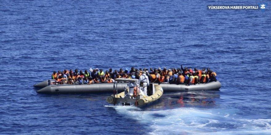 Akdeniz'de mülteci botu battı: 117 ölü