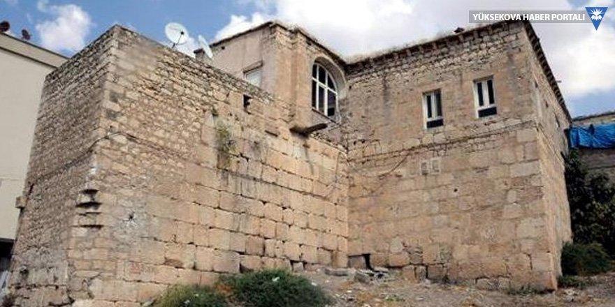 Diyarbakır'da zırhlı polis aracıyla define aradılar