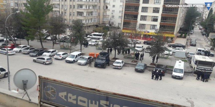 Gaziantep'te HDP binasına polis ablukası