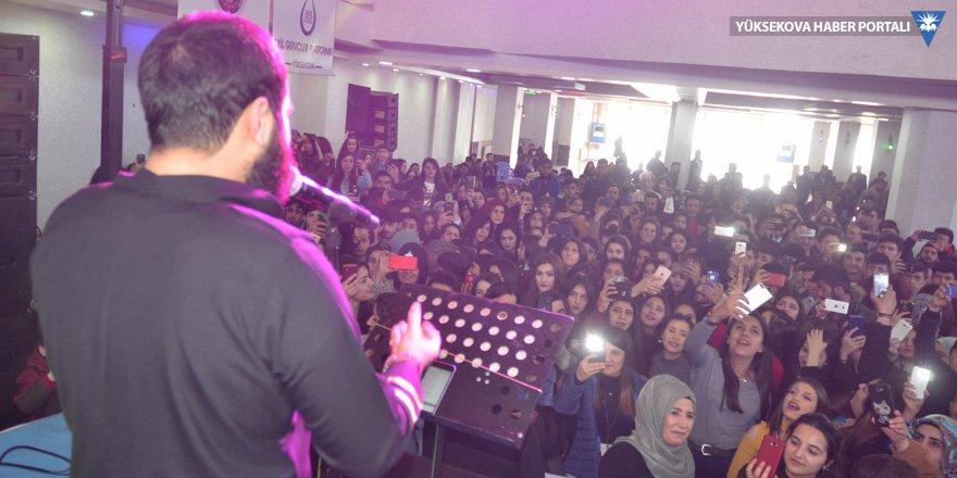 Yüksekova'da yardımlaşma ve dayanışma konseri