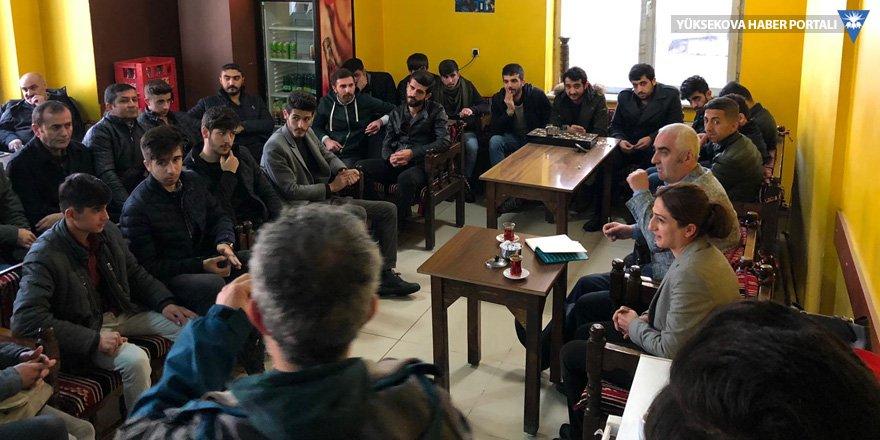 HDP Yüksekova adayları gençlerle buluştu