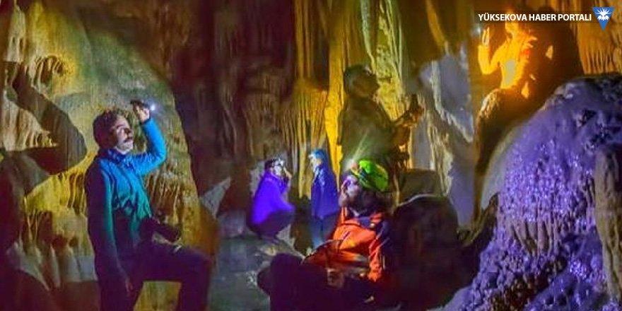 Hakkari'de 'Damla Taş' mağarası keşfedildi